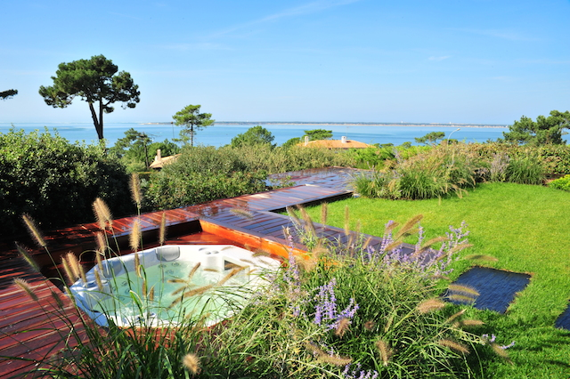 r alisation d 39 une terrasse caillebotis et spa paysager sur le bassin d 39 arcachon paysagiste. Black Bedroom Furniture Sets. Home Design Ideas
