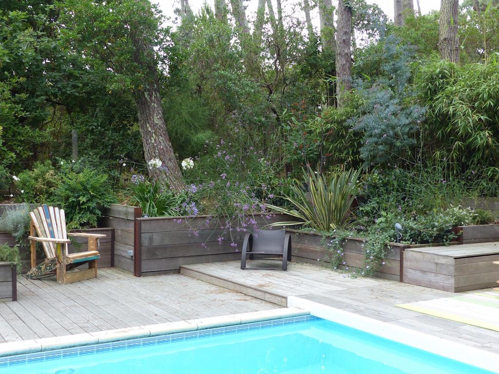 Réalisation d\'un soutènement paysager aux abords d\'une piscine sur ...