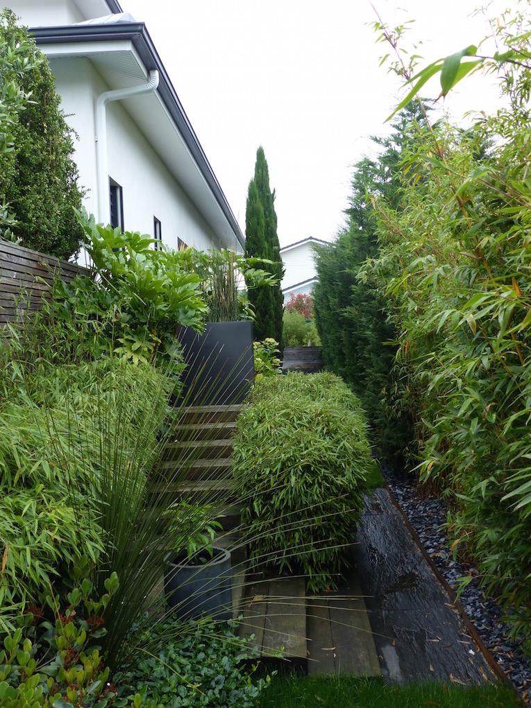 Am nagement paysager des abords d 39 un escalier sur la cub for Entretien jardin gujan mestras