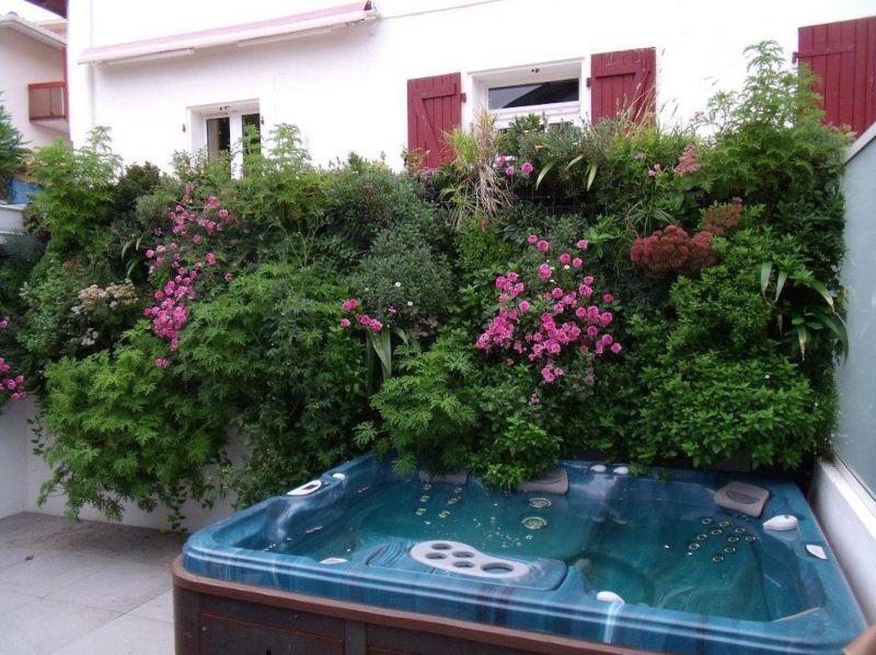 v g talisation d 39 un mur mitoyen sur une terrasse sur le bassin d 39 arcachon am nagement de. Black Bedroom Furniture Sets. Home Design Ideas