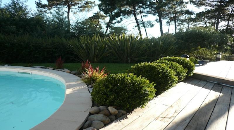 Jardin paysager pour particulier et jardinage bordeaux - Amenagement d une piscine ...
